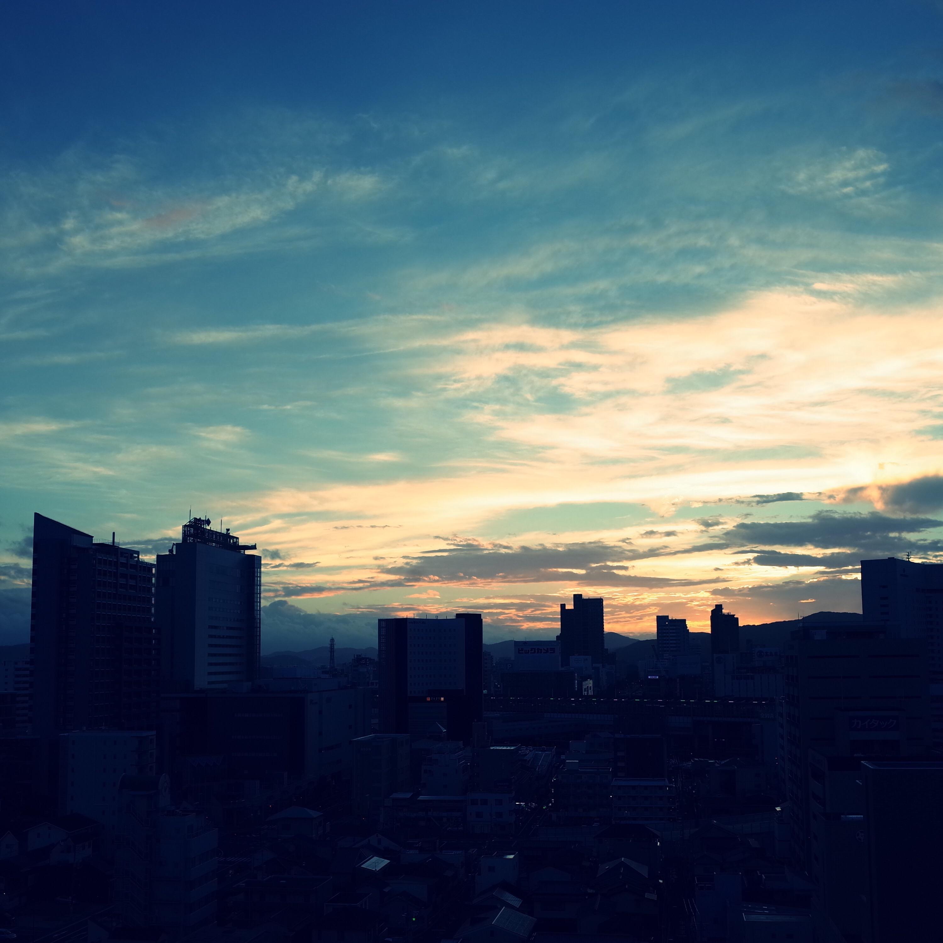 秋、秋の空、朝日、朝、日の出